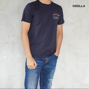 Kaum pria pastinya harus punya basic T-shirt seperti yang satu ini yang bisa kamu dapatkan di @osellaman! . . . . Koleksi Osella bisa kamu dapatkan secara offline di Matahari Dept Store dan showroom terdekat di mall kesayangan kamu atau secara online di: linktr.ee/OSELLA.SHOPNOW