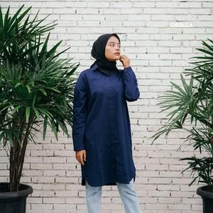 Mix and match long shirt kamu menjadi lebih stylish dengan kombinasi hijab dan pants.💯 . . . . Koleksi Osella bisa kamu dapatkan secara offline di Matahari Dept Store dan showroom terdekat di mall kesayangan kamu atau secara online di: linktr.ee/OSELLA.SHOPNOW